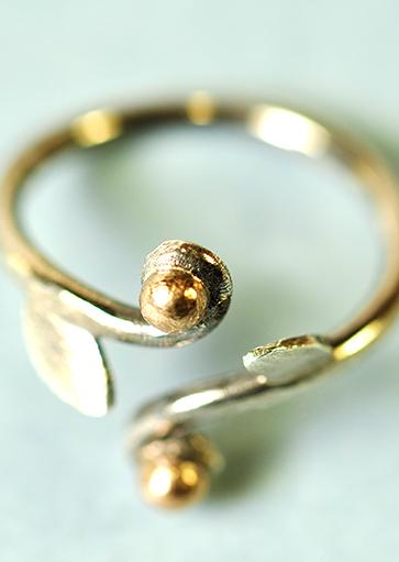 Ring med guld - Monbo Smykker