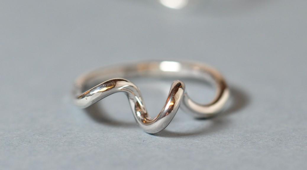 Fingerring i sterlingsølv fra Monbo Smykker