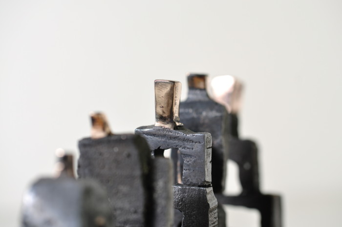 Fokus på skulpturen i midten