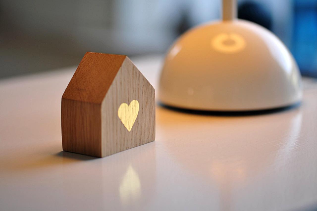 Hjertebolig - hus i egetræ med bladguld