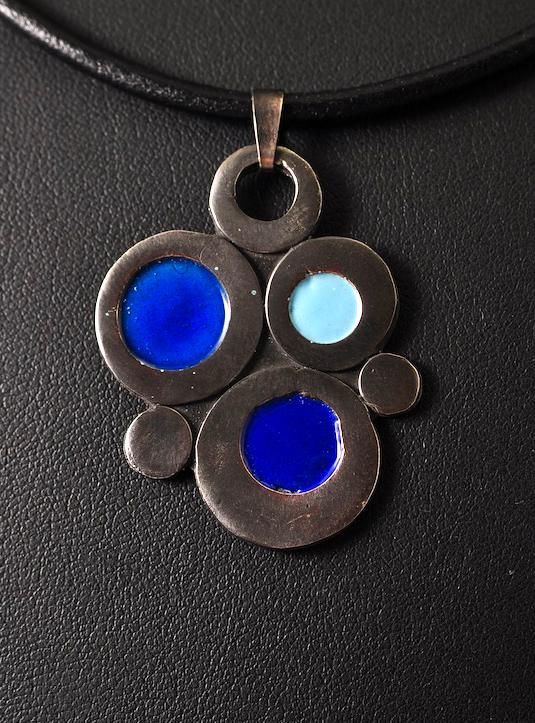 Emaljevedhæng-håndlavede smykker
