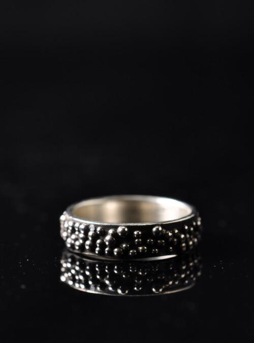 Fingerring - granulat - Håndlavede smykker
