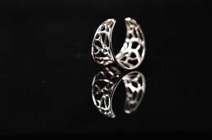 Fingerring med filigran netværk - Håndlavede Smykker